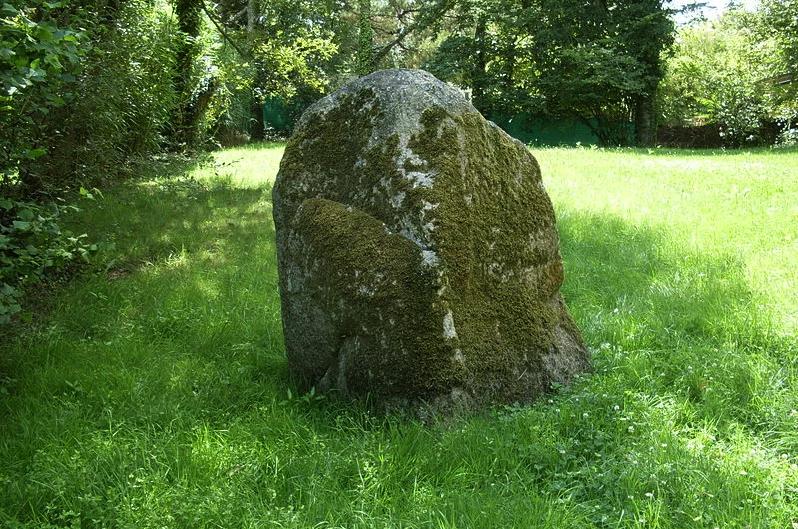 Menhir du Poulquer à Benodet